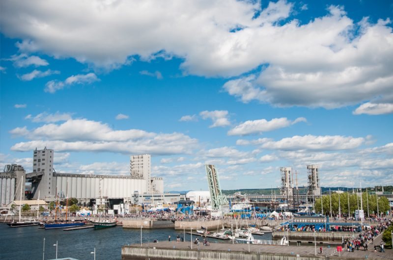 Qu bec city canada sail on board for Porte quebec