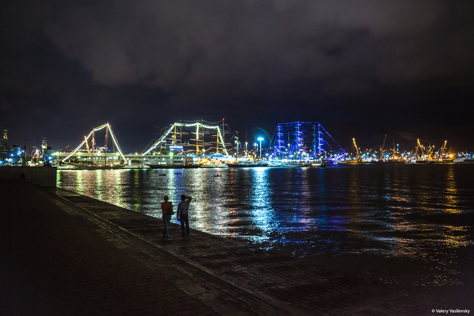 Lighting up the Novorossiysk nights
