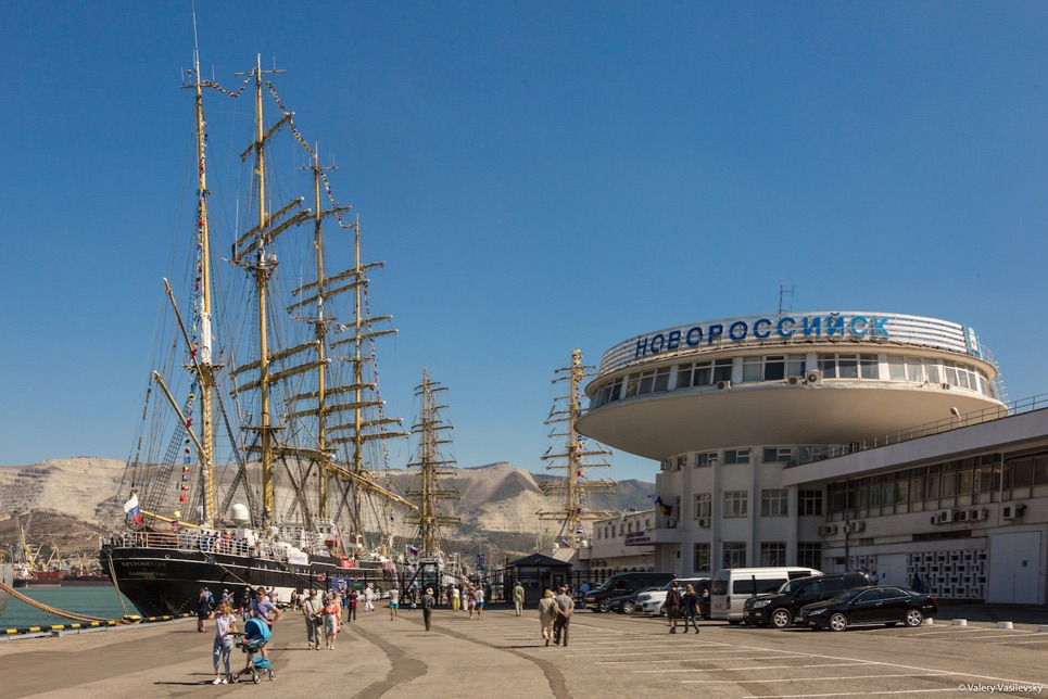 First visitors enjoying the fleet in Novorossiyk